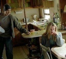 Eminem und Kim Basinger in una scena di 8 Mile