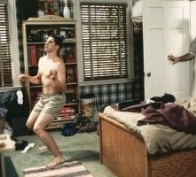 Jason Biggs e Eugene Levy in una scena di American Pie