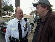 Michael Moore in una sequenza di Fahrenheit 9/11