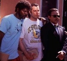 Samuel L. Jackson, John Travolta e Harvey Keitel in una scena di Pulp Fiction