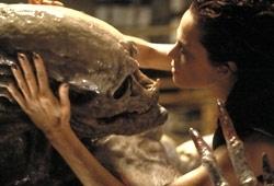 Sigourney Weaver è la protagonista Alien: La clonazione