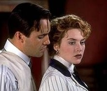 Billy Zane e Kate Winslet in una scena di Titanic
