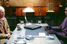 Bruce Willis e Samuel L. Jackson in una scena di Unbreakable - Il predestinato