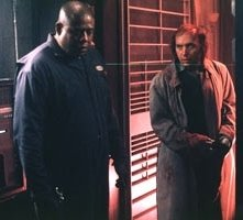 Forest Whitaker e Dwight Yoakam in una scena di Panic Room