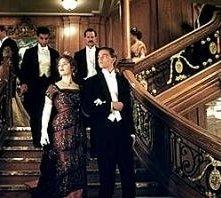 Kate Winslet con Leonardo DiCaprio in una scena di Titanic