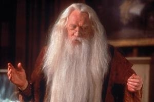 Richard Harris in una scena di Harry Potter e la pietra filosofale