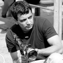 Il regista M. Night Shyamalan sul set di Signs