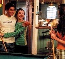 Jason Biggs, Shannon Elizabeth e Alyson Hannigan in una scena di American Pie 2