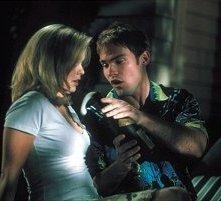 Tara Reid e Seann William Scott in una scena di American Pie 2