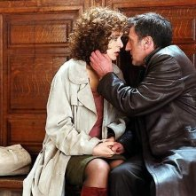 Daniel Auteuil  e Valeria Golino in una scena del film 36 quai des orfevres