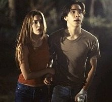 Justin Long e Gina Philips in una scena di Jeepers Creepers - Il canto del diavolo