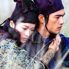 Takeshi Kaneshiro e Zhang Ziyi in una scena del film La foresta dei pugnali volanti