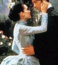 Winona Ryder e Keanu Reeves in una scena di Dracula