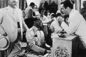 Dooley Wilson e Humphrey Bogart in una scena di Casablanca
