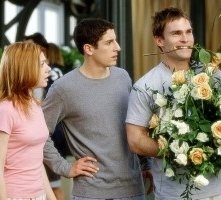 Jason Biggs, Seann William Scott e Alyson Hannigan in una scena di American Pie - Il matrimonio