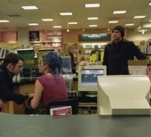 Jim Carrey, Kate Winslet e Elijah Wood in una scena di Se mi lasci ti cancello