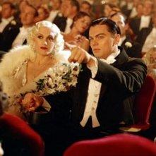 Leonardo DiCaprio e Gwen Stefani in una scena di The Aviator