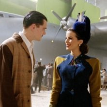 Leonardo DiCaprio e Kate Beckinsale in una scena di The Aviator