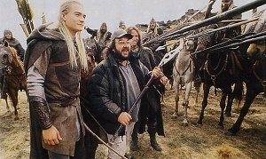 Orlando Bloom e il regista Peter Jackson sul set di Il signore degli anelli - Le due torri