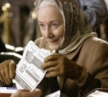 Rosemary Harris in una scena di Spider-Man 2