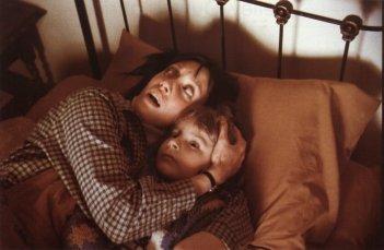 Shelley Duvall e Danny Lloyd in una scena di Shining