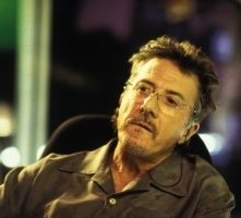 Dustin Hoffman in una scena di Confidence