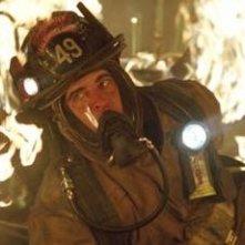 Joaquin Phoenix in una scena del dramma Squadra 49