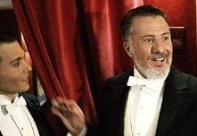 Johnny Depp  e Dustin Hoffman in una scena di Neverland - un sogno per la vita