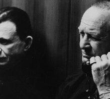 Robert Blake e Robert Loggia in una scena di Strade perdute
