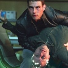Tom Cruise e Samantha Morton in una scena di Minority Report