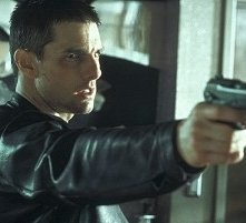 Tom Cruise in una scena d'azione del film Minority Report