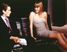 Christian Bale e Chloë Sevigny in una scena di American Psycho