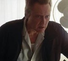 Christopher Walken in una scena di Man of fire