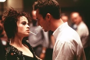 Edward Norton e Helena Bonham Carter in una scena di Fight club