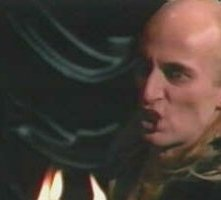 Richard O'Brien in una scena di The Rocky Horror Picture Show