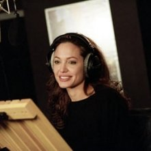 Angelina Jolie in sala doppiaggio per Shark Tale