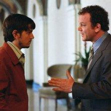 John C. Reilly e Diego Luna in una scena del film Criminal