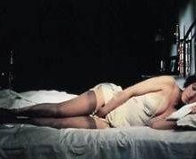 Stefania Sandrelli in una sensuale scena de La Chiave