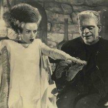 Elsa Lanchester e Boris Karloff in una scena di La moglie di Frankenstein