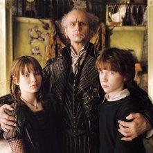 Emily Browning, Jim Carrey e Liam Aiken in una scena di Lemony Snicket - Una serie di sfortunati eventi