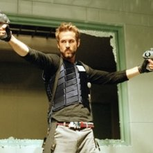 Ryan Reynolds in una scena dell'action Blade: Trinity