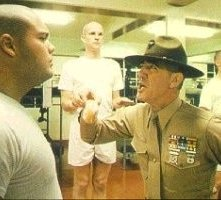 Vincent D'Onofrio e R. Lee Ermey in una scena di Full Metal Jacket
