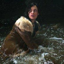 Famke Janssen in una scena di Nascosto nel buio