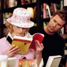 Nicole Kidman e Will Ferrel in una scena di Bewitched