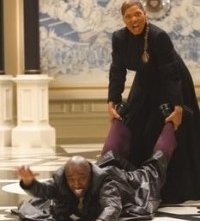 Queen Latifah e Eddie Griffin in una scena di Scary Movie 3