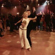 Uma Thurman con John Travolta in una scena del film Be Cool
