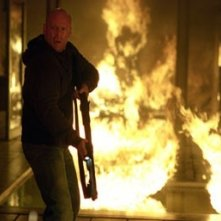 Bruce Willis in una scena di Hostage