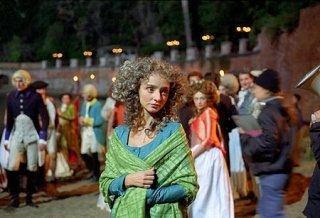 Maria De Medeiros in una scena de Il resto di Niente