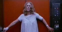 Jamie Lee Curtis in una scena di Halloween II - Il signore della morte