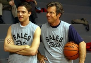 Topher Grace e Dennis Quaid in una scena di In Good Company
